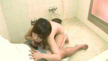 Fudendo a irmã gostosinha do melhor amigo no banheiro