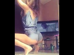 Novinha safada caiu na net dançando