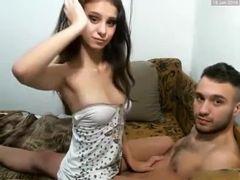 Novinha fodendo com o namorado na webcam
