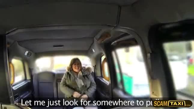 Gordinha sexy dando dentro do taxi